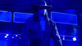 Undertaker hace su aparición en Monday Night RAW