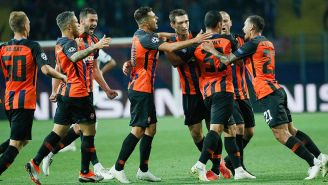 Jugadores del Shakhtar festejan gol contra Hoffenheim