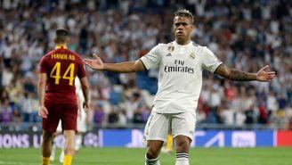 Mariano Díaz festeja tras firmar un golazo contra la Roma