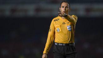 Luis Enrique Santander durante un juego de la Liga MX