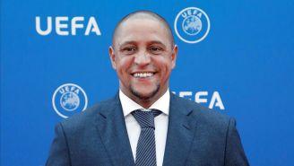 Roberto Carlos durante una presentación de la UEFA