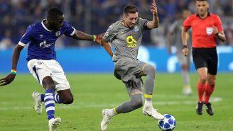 Herrera en partido con el Porto