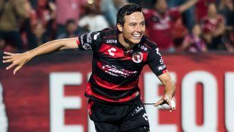 Erick Torres celebra anotación con Xolos