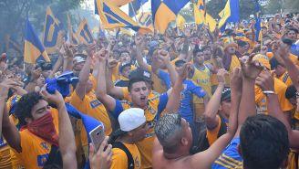 Aficionados de Tigres previo al Clásico Regio