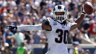 Todd Gurley celebra un touchdown con los Rams