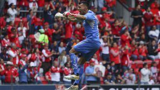 Luis García celebra anotación de Toluca en el Apertura 2018