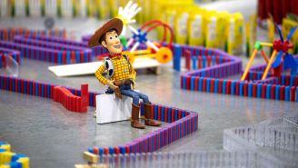 Parte de las 32 mil piezas que rinden homenaje al nuevo parque Toy Story Land de Disney