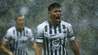 Jesús Gallardo festeja su gol en el partido vs Xolos