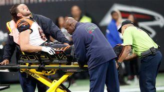Tayler al momento de salir del campo después de su lesión