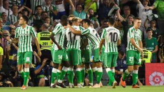 Jugadores de Betis festeja el gol frente al Leganés