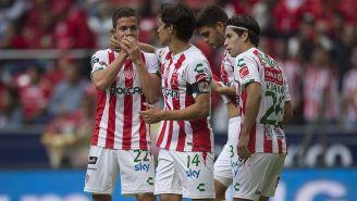 Jugadores de Rayos festejan gol contra Toluca