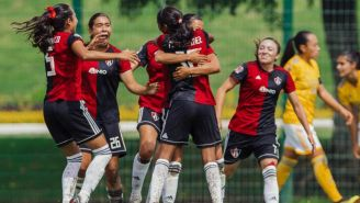 Jugadoras del Atlas celebran un gol vs Tigres