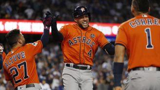 Jugadores de Astros festejando una victoria