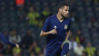 Diego Reyes, previo a un juego con el Fenerbahçe