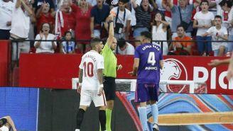 Araujo es expulsado en duelo contra Sevilla