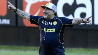 Maradona dirige su primer entrenamiento con Dorados