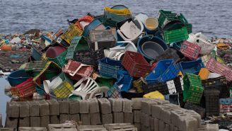 Las playas terminan siendo afectada por toneladas de basura
