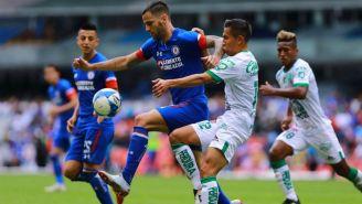 Edgar Mendez y José Rodríguez durante un partido