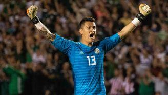 Raúl Gudiño festeja triunfo contra Costa Rica