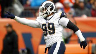 Aaron Donald celebra su captura frente a los Broncos