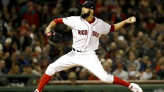 David Price lanza la pelota en duelo contra Houston