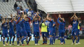 Cruz Azul celebra victoria contra Rayados en el Azteca