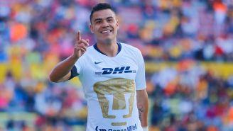 Pablo Barrera celebra gol en un partido con Pumas