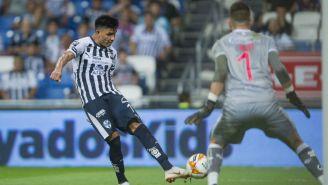 Potente disparo en el duelo de Monterrey contra Gallos