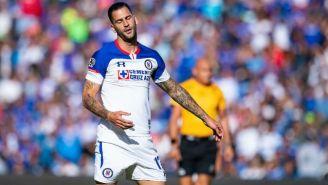 Edgar Méndez se lamenta durante el juego contra Querétaro