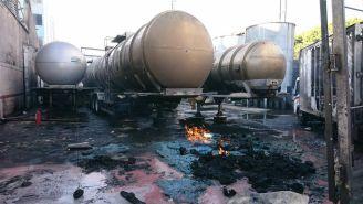 Incendio controlado en una fábrica de alcohol en Atlampa