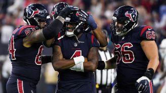 Jugadores de los Texans festejan con Watson