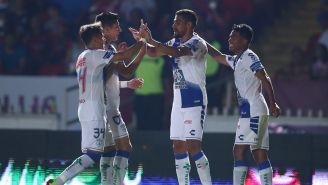 Jugadores de Pachuca celebran anotación contra Veracruz