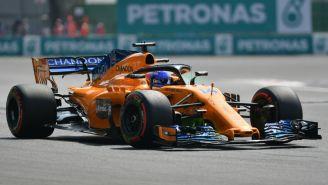 Fernando Alonso durante la práctica en el GP de México