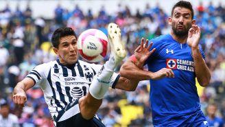 Molina y Cauteruccio pelean el esférico
