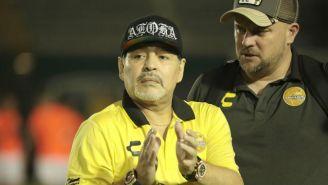 Diego Maradona durante el partido entre Dorados y Venados
