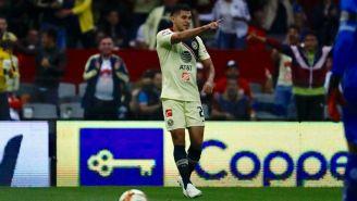 Henry Martín festeja su gol contra Toluca