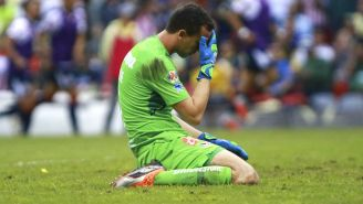 Agustín Marchesín en lamento durante el encuentro ante Chivas