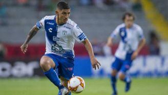 Víctor Guzmán durante el partido contra Atlas