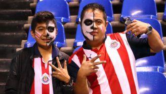 Afición de Chivas en el Estadio Cuauhtémoc