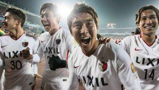 Jugadores Kashima Antlers festejan título