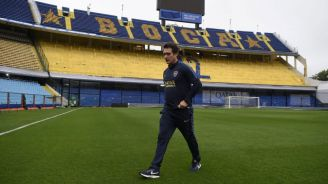 Guillermo Barros revisó la cancha de La Bombonera