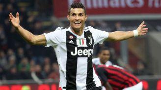 Cristiano Ronaldo festeja su gol contra el Milan en San Siro