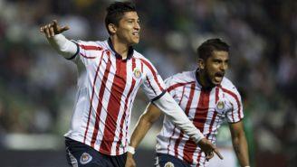 Zaldivar festeja gol de Chivas