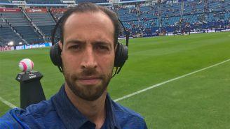 Mauricio Ymay, en la cobertura de un juego de Cruz Azul