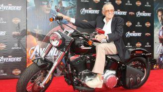 Stan Lee durante una alfombra roja