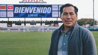 Benjamín Galindo en el estadio de San José