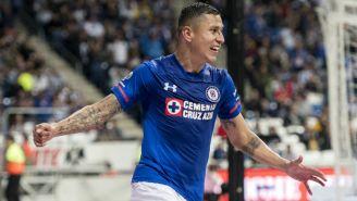 Cata Domínguez festeja gol con Cruz Azul
