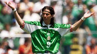 De Nigris con la camiseta de la Selección Mexicana