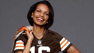 Condolezza Rice, con el jersey de los Browns