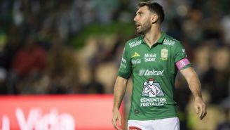 Mauro Boselli se lamenta durante un juego del León